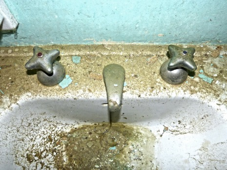 tap-1270270_1920
